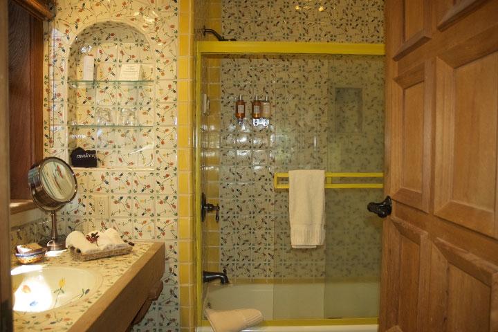Sonrisa-s02-bathroom